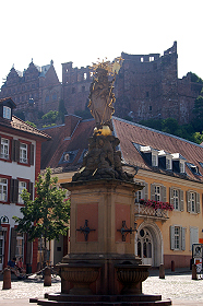Fuontain on Karlsplatz, Heidelberg Castle in the background